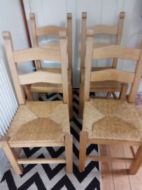 4 (Dining) Chairs