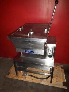 Cleveland SET-10 10 Gallon Electric Countertop Tilt Skillet - 208V, 3 Phase
