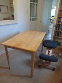 BEECH TABLE, Virtually immaculate, Litle Used, Legs Unscrew for Ease of Transport