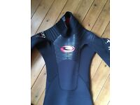 Excellent Tiki TK90 5/4/3 mens/ unisex wetsuit, adult size small. New and unworn