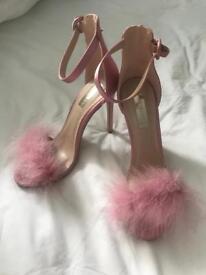 Pink fluffy heals - size 6