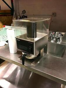 """Moulin à Café """"BUNN"""" LPG Broyeur de Contrôle de Portions à Faible Profil / BUNN LPG Low Profile Portion Control Grinder."""