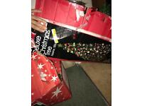 2x Christmas tress