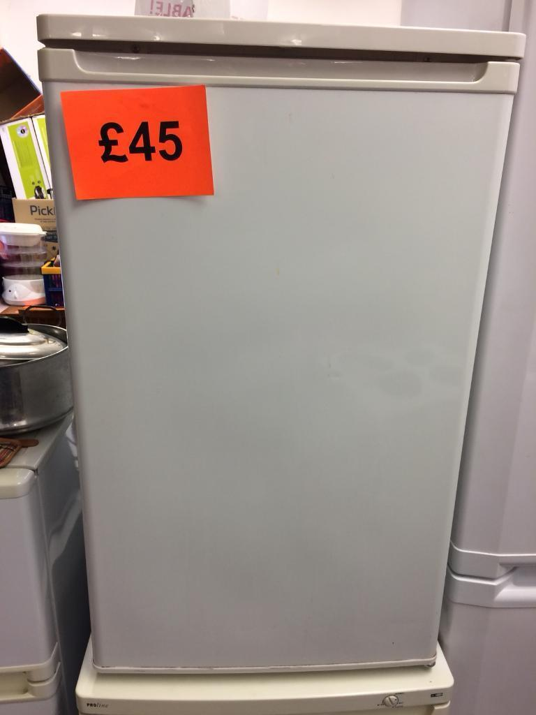 Underworktop fridge