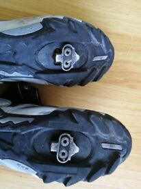 Size 6 Shimano SPD shoes & cleats