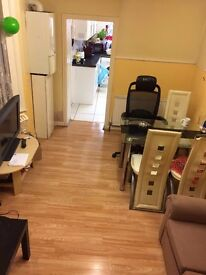 **LOVELY SINGLE ROOM WITH GARDEN AND LIVING ROOM**STRATFORD**JUST 160 PW**