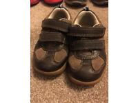 Clarks size 5.5 boy leather shoes