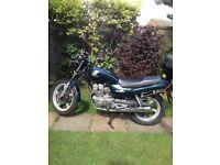 Honda CB250 motorbike 2001