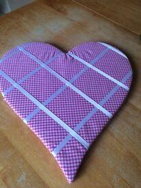 Heart shaped Pinboard