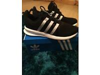 Adult size 7 trainers