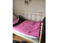 Single white day bed (incl. mattress if desired)