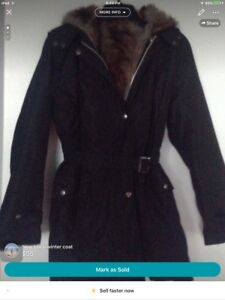 New never worn hooded winter coat/ removable faux fur lining