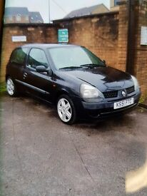 Renault clio 1.2 full mot. 75k miles. Service and cambelt done. Clio sport seats