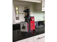 Andrew James masticating slow juicer. Red model AJ000679.perfect condition. From clean home.