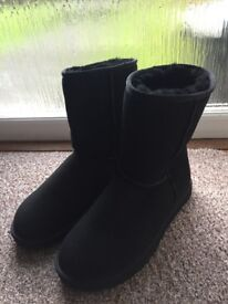 Genuine Ugg Classic Boots (Size 7.5)