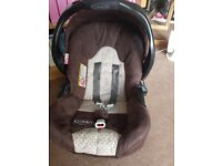Graco car seat / infant carrier