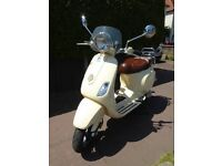 A great Vespa scooter,Good condition,excellent chrome, FSH, Tax&MotFeb 2018, Very reliable
