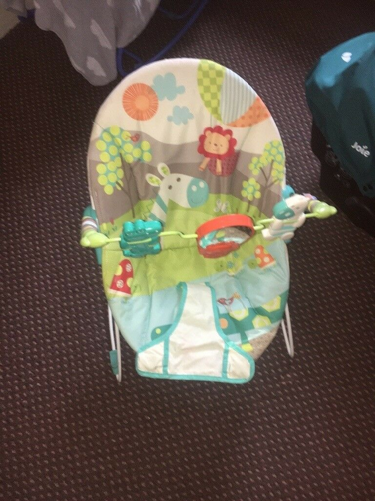 Almost new bouncer chair