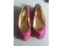 Flat pumps - deep pink - size 5