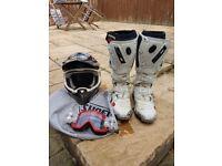Mens SHOEI helmet size s/ SIDI CROSSFIRE size 8 boots (motorcross)