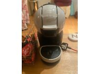 Nescafe Dolce Gusto coffee machine - almost new with 50 capsules