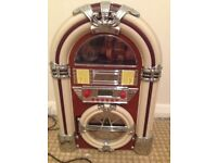 Jukebox Radio for sale - in box, great condition :) OPEN TO SENSIBLE OFFERS