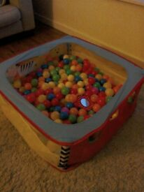 Children's ball pool with lots of balls