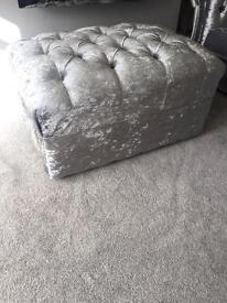 Crushed velvet footstool