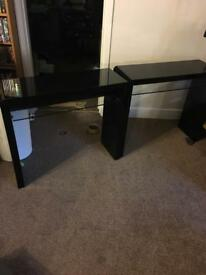 Two gloss black pc tables look!!