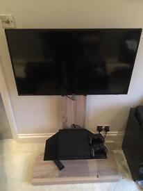 40 inch 1080p Bush LED HD slimline TV on stand £200 BARGAIN!!