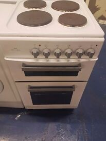 New world 50cm electric cooker perfect working order and in good condition separate grill and oven