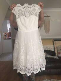 CHICHI CHI CHI FRANCES WHITE DRESS LACE BRIDAL WEDDING SIZE 10 TEA LENGTH
