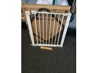U-PRESSURE FIT CHILD SAFETY GATE