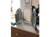 Vanity dressing table freestanding mirror