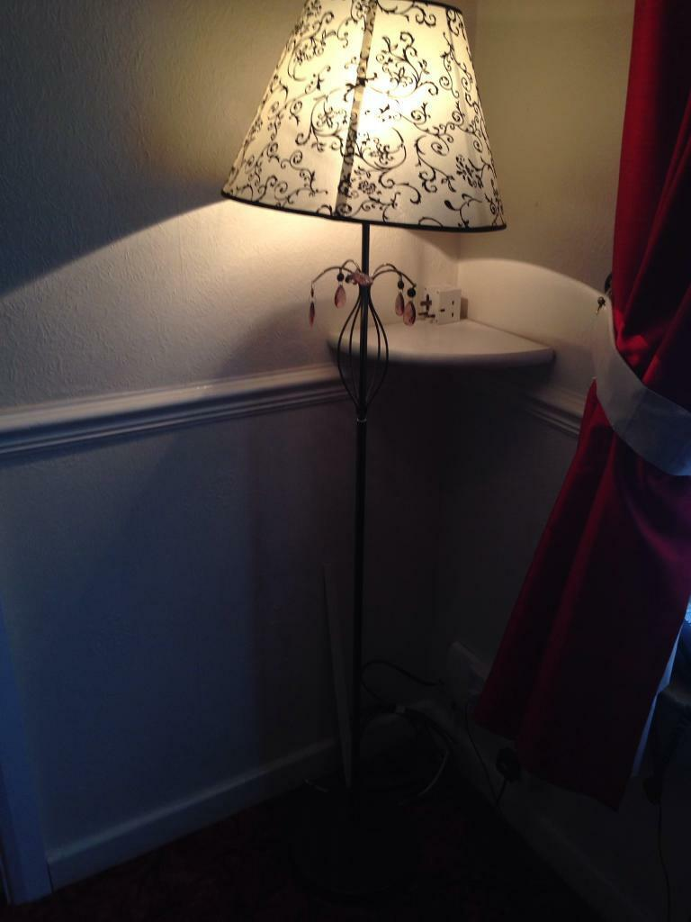Floor standing lamp (brown cream)