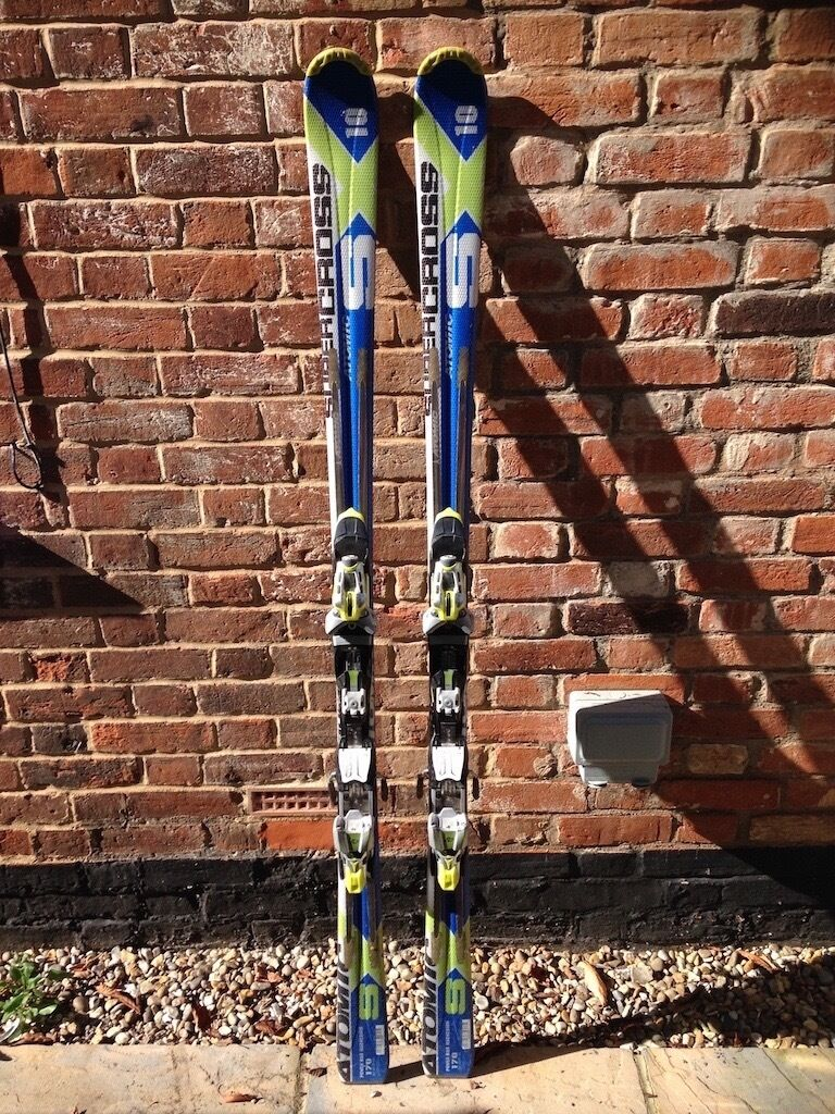 Atomic SX10 Alpine Skisin Norwich, NorfolkGumtree - Atomic SX10 performance skis in good condition and suitable for intermediate to advanced skiers. Size 170 cm with 15m radius (dimensions 112 65 97) and fitted with Atomic Neox 412 bindings. A well loved ski thats very stable at speed. Service...