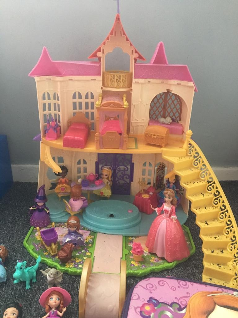 Sofia the first musical castle