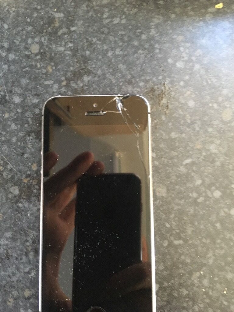 IPHONE 5S 32GB SPACE GREY UNLOCKED WORKING DAMAGED SCREENin Barnsley, South YorkshireGumtree - iphone 5s 32gb in space grey unlocked to any network the phone is fully working but Im selling has spares or repair because the screen is damaged and it needs new screen the phone comes with original box (no charger) Im located in the honeywell area...