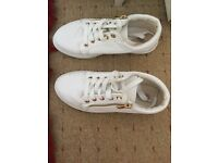 White trainers size 2
