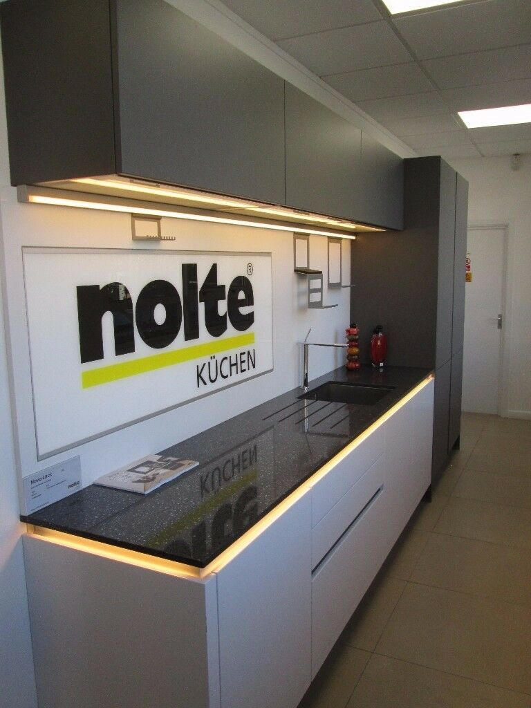kitchen ex display nolte nova lack gloss white matrix art led lights soft lack mat quartz. Black Bedroom Furniture Sets. Home Design Ideas