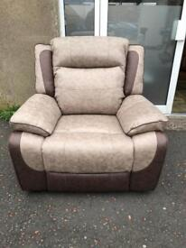 New**Beautiful fully reclining 3+1+1 fabric suite - one electric recliner