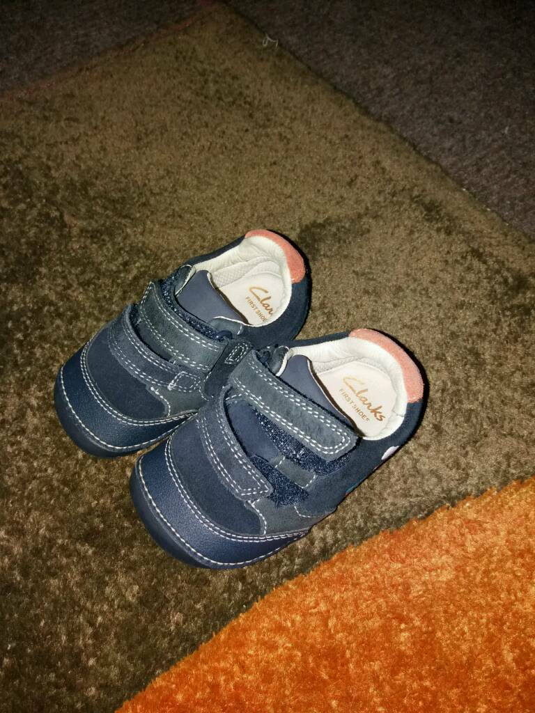 Clarke size 4h baby first step shoes