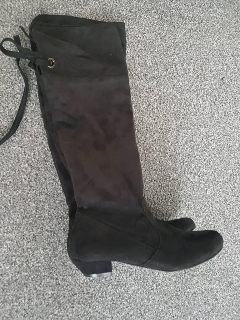Women's long boots size 4