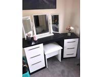 Black and white hi gloss dressing table