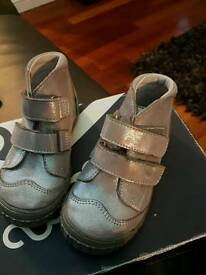 Kids size 26 designer shoes