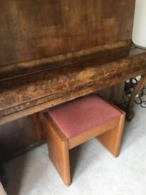 Solid oak piano stool with hinged seat