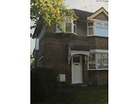 1 Bedroom ground floor flat with garden in Harrow close to public transport and shops