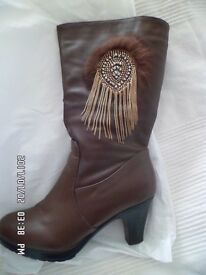 lovely ladies brown leather size 4.5 boots