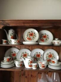 MEAKIN POPPY DESIGN TEA, COFFEE AND DINNER SERVICE