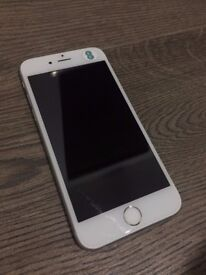 Like new iPhone 16 GB Silver (Price negotiable!)